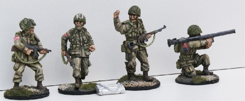US Paratrooper Command and Support